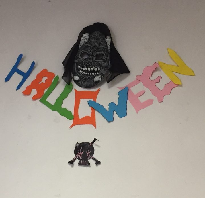 WE DECORATED THE CLASS WITH HALLOWEEN DECORATIONS