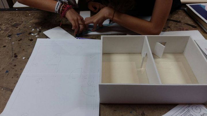 Construïm una casa domòtica