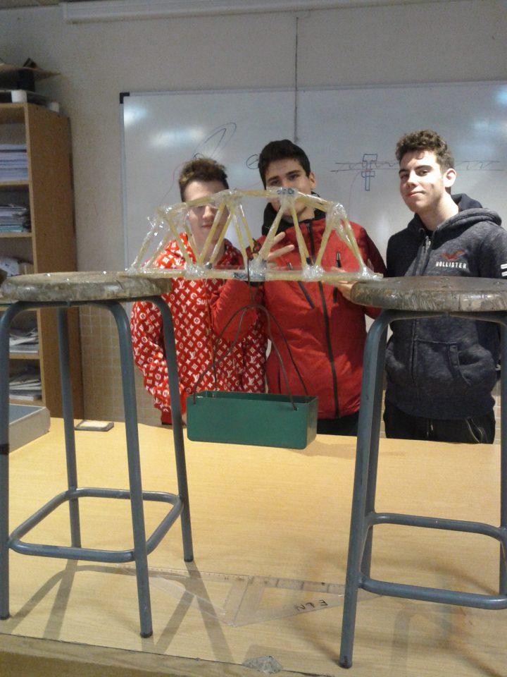 Puente de espaguetis